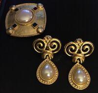 Vintage Beautiful Pearl Pin & Pearl Clip On Earrings