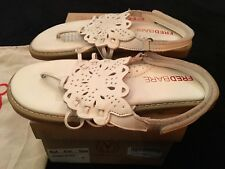 FRED BARE JEMIMA WHITE LEATHER SANDALS SIZE 5 (LIKE NEW) WORN ONCE