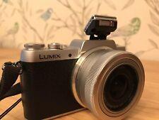 Panasonic LUMIX DMC-GF7 16.0 MP Digitalkamera - Schwarz (Kit m/ LUMIX G Vario...