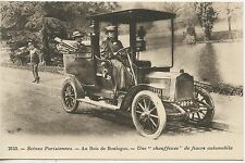 CP  SCENES PARISIENNES BOIS DE BOULOGNE UNE CHAUFFEUSE DE FIACRE AUTOMOBILE