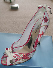 Karen Millen Ivory Coral Red Tulip Print peep toe shoes with patent leather bows