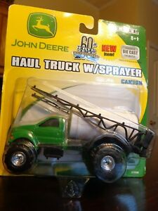 JOHN DEERE FORD HAUL TRUCK W/SPRAYER  ERTL 2005 DIECAST / PLASTIC NEW