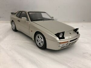 1:18 Porsche 944 Turbo Autoart Gray