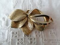 Vintage 60's 70s Gold Tone Leaf Modernist Textured Statement Pin Brooch