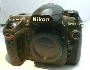 Nikon D200 10MP Digital SLR Camera - Black (Body Only) - tested works good