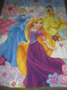 Disney 3 Princesses Comforter/Blanket Reversible Cinderella Belle Aurora - EUC