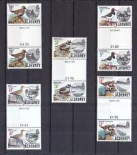 Echte Briefmarken aus Europa mit Vögel-Motiv als Satz