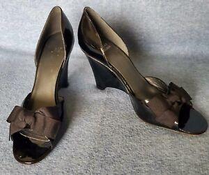 STUART WEITZMAN Size 9N 9 N Black Patent Leather Open Toe Bow Wedge Shoe