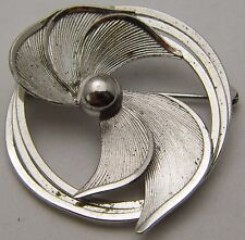 Vintage Round Wreath Style Pin w/ Leaf/Floral Center Design 925 Sterling Silver
