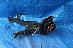 2004 JAGUAR XJ8 4.2L V8 4DR #2 REAR LEFT SPINDLE WHEEL HUB & LOWER CONTROL ARM