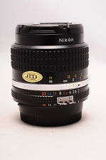 NIKON NIKOR 35MM F2 AIS NEAR MINT! MANUAL FOCUS FAST PRIME LENS
