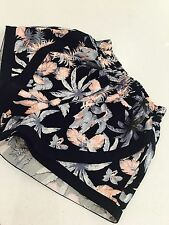 LOVE ZALORA SHORTS FLORAL PRINT QUALITY SUMMER PARTY SZ XS