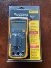 New Fluke 117 Digital Multimeter with Intergrated Voltage Detection.True RMS