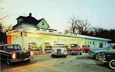 """Photo 1960s New Canaan, Connecticut """"Colonial Motors"""""""