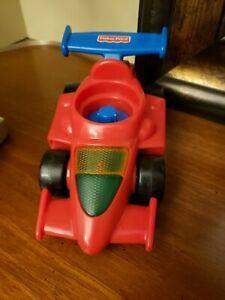 1999 FISHER PRICE LITTLE PEOPLE RACE CAR Makes Sounds EUC