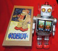 ROBOT ELECTRON GRIS. Grand robot en tôle sérigraphié.. Superbe boîte. Ht 33 cm