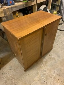 Sewing Machine Cabinet With Sewing Machine