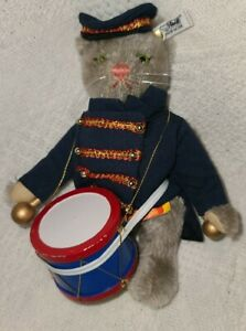 """Steiff Circus Band Cat Limited Edition, Collector's Club, 8"""" Tall, #0122/19"""