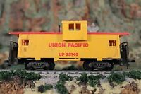 HO Scale Yellow and Red Union Pacific Caboose UP 25743