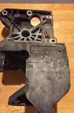 2005 2006 JEEP LIBERTY CRD DIESEL ENGINE FUEL INJECTION PUMP BRACKET 90513034