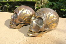 2 small aged head skull brass day of the dead hollow brass aged heavy 7.5 cm B