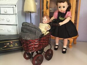 Vintage Doll METAL & WICKER  Carriage for BLEUETTE Or LISSY ~ ❤️ Super!~