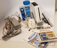 Nintendo Wii White Console System Bundle RVL-001 Wii PLAY / WII SPORTS RESORT