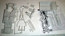 A69CC 69 CHEVELLE HARDTOP CHASSIS & INTERIOR PARTS Model Car Mountain 1/25
