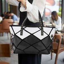große Handtasche Shopperbag Damentasche goldene Details schwarz weiß