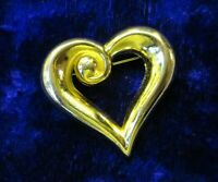 VINTAGE BROOCH - HIGH QUALITY GOLD TONE METAL HEART SHAPED BROOCH/PIN - C1970's