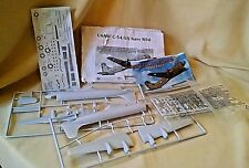 USAAF C-54 US NAVY R5D AIRPLANE MODEL MINICRAFT WWII LOOSE AS IS 1:144 2012.