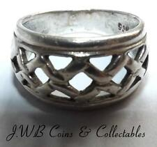 .925 Silver Ring - Weight is 2.6 Grams