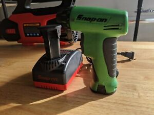 Snap-On 7.2V Cordless Screwdriver Kit w/ Charger and 2 Batteries CTS561 USA