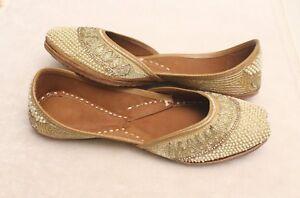 punjabi jutti khussa shoes indian shoes wedding shoes Mojari gold Jooti