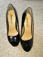 Timeless Size 5 Wedge Patent Black Shoes