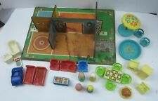 VINTAGE Fisher Price Little People Play Family #909 PLAY ROOMS Set Plus CAR
