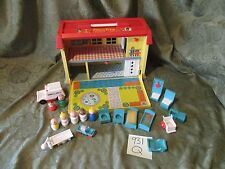 Fisher Price Little People Play Family Childrens Hospital Nurse Doctor  931 Q dr