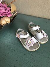 WeeSqueak 3T white leather flower sandals
