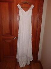 Lace Wedding Dress, made by Mikaella, size 10