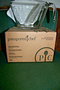 Pampered Chef Classic Batter Bowl w/lid  #2431  8 Cup Capacity  NEW in box!