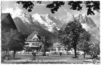AK, Garmisch-Partenkirchen, Marktplatz gegen Zugspitzgruppe, 1960