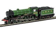 HORNBY- R3447 LNER 4-6-0 B17'KILVERSTONE HALL' No 2482 '00' SCALE