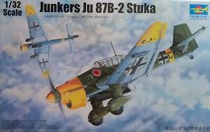 WWII GERMAN JUNKERS JU-87B-2 STUKA TRUMPETER 1:32 SCALE PLASTIC AIRPLANE KIT
