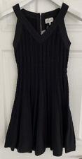 Nuevo con etiquetas Milly negro con textura Tech FLARE Vestido Talla S