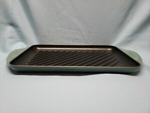 Le Creuset rectangular flat griddle plate 8 by 12 inches NEW CONDITION Teal