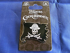 Disney * SKULL on FLAG w/ SWORDS * New on Card Pirates of the Caribbean Pin
