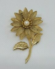 Women's Flower Floral Brooch Pin Faux Pearl Gold Tone Fashion Jewelry Unbranded