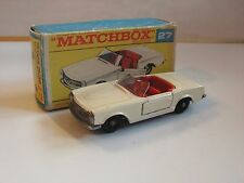 MATCHBOX 27 MERCEDES BENZ 230 SL  (regular wheels)