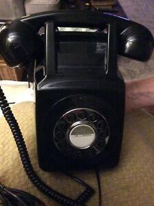 REPLICA VINTAGE RETRO BLACK WALL MOUNTED TELEPHONE