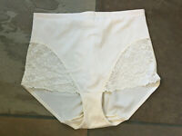0720 Flexees 2XL Ivory Lace Trim Firm Control Shaping Brief #5554 NWOT B